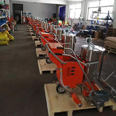 15units of thermoplastic road marking machine export to Peru